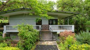 Auberges de jeunesse - Casa Piccola - Cozy River View Cottage