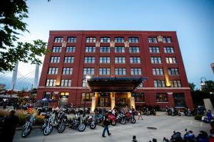 The Iron Horse Hotel - Milwaukee