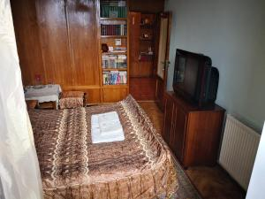 Apartment Erekle, Privatzimmer  Bordschomi - big - 5