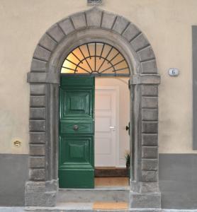 6 Via della Rosa - AbcAlberghi.com