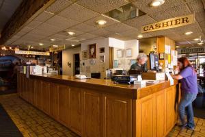 Jailhouse Motel and Casino, Motels  Ely - big - 38