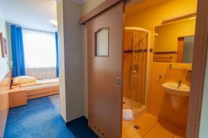 Dom Sportowca Błonie - MOSiR, Hotely  Sanok - big - 2