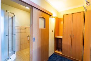 Dom Sportowca Błonie - MOSiR, Hotely  Sanok - big - 5