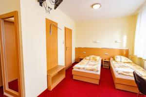 Dom Sportowca Błonie - MOSiR, Hotely  Sanok - big - 6