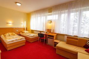Dom Sportowca Błonie - MOSiR, Hotely  Sanok - big - 9