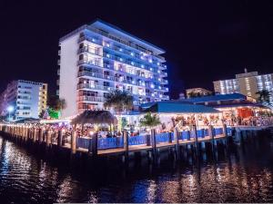 Sands Harbor Resort and Marina, Hotels  Pompano Beach - big - 1