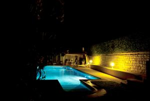 Opio Studio by Private pool photos