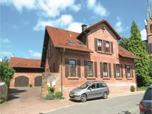 Three-Bedroom Holiday Home in Schollbrunn - Altenbuch