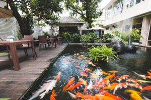 Feung Nakorn Balcony Rooms and Cafe, Отели  Бангкок - big - 81
