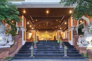 Floral Hotel · Dolphin Circle Pattaya - Pattaya North