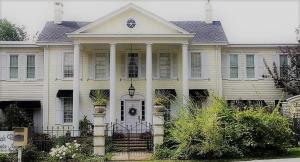 The Lake Manor - Accommodation - Morgantown