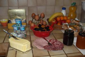 Chambres et Tables d'hôtes à l'Auberge Touristique, Bed and breakfasts  Meuvaines - big - 58