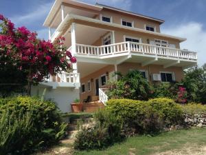 Cabarita Lookout Villa - Port Maria