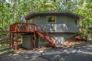 Rowe`s Round House - Roundtop