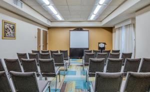 Hampton Inn & Suites Orlando-East UCF, Hotely  Orlando - big - 63
