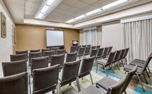 Hampton Inn & Suites Orlando-East UCF, Hotely  Orlando - big - 66