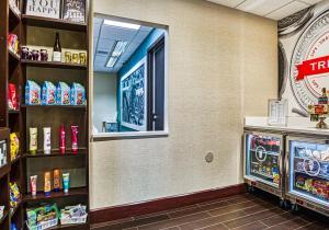 Hampton Inn & Suites Orlando-East UCF, Hotely  Orlando - big - 51