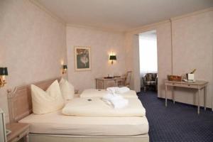 Hotel Goldener Hirsch - Ruderatshofen