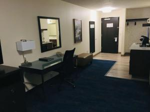 Best Western Plus Portland Airport Hotel & Suites, Hotels  Parkrose - big - 32