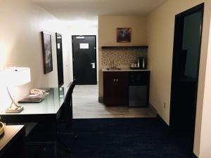 Best Western Plus Portland Airport Hotel & Suites, Hotels  Parkrose - big - 15
