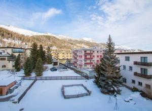 Chesa Derby 32 - Hotel - St. Moritz