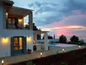 Kalamitsi Sunset Villas - Komílion