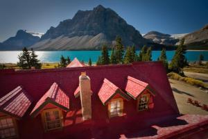 Num-Ti-Jah Lodge - Accommodation - Lake Louise