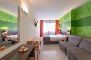 Apartamentos Serrano Recoletos (3 of 49)