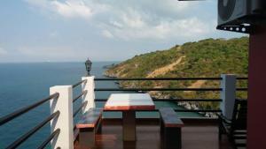 Ocean View Resort - Koh Sichang - Ban Tha Phanu Rangsi