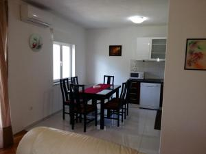 Apartment Arbanija 1125a, Apartmány  Trogir - big - 8