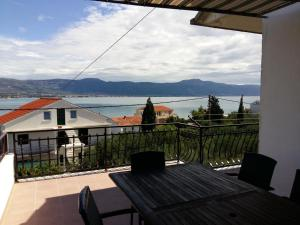 Apartment Arbanija 1125a, Apartmány  Trogir - big - 24