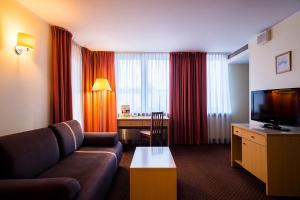 Apartamenty Zgoda Warszawa by DeSilva