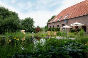 Lindenhof Gästehaus & Hofcafe - Hau