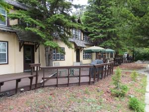 Accommodation in Waterton Park