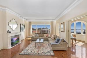 Luxury art deco apt with Sweeping Harbour views - Centennial Park