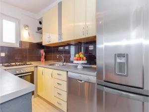Holiday Apartment Novi Vinodolski 04, Apartmanok  Novi Vinodolski - big - 19