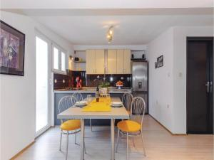 Holiday Apartment Novi Vinodolski 04, Apartmanok  Novi Vinodolski - big - 21