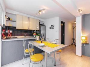 Holiday Apartment Novi Vinodolski 04, Apartmanok  Novi Vinodolski - big - 22