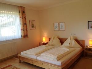 Haus Margit, Ubytování v soukromí  Schlierbach - big - 15