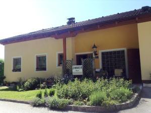 Haus Margit, Homestays  Schlierbach - big - 26