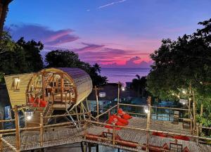 The Mud Bamboo cafe and Beds - Ban Bang Makham