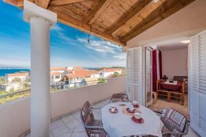 Apartment in Ždrelac with sea view, terrace, air conditioning, Wi-Fi (4560-3)