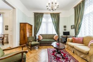 Szondi 4-room Classic - Budapest