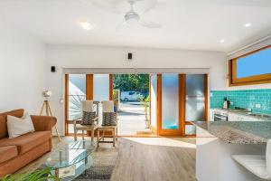 Half Moon Cottage - Right across from Belongil Beach!, Case vacanze  Byron Bay - big - 5