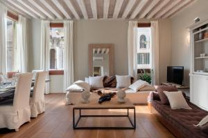 Bridge of Sighs Luxurious Apartment - AbcAlberghi.com