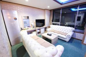 Tongyeong Tourist Hotel, Szállodák  Thongjong - big - 34