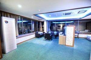 Tongyeong Tourist Hotel, Szállodák  Thongjong - big - 20