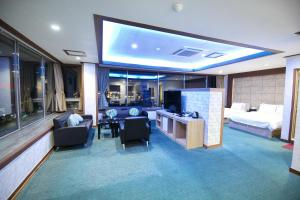 Tongyeong Tourist Hotel, Szállodák  Thongjong - big - 16
