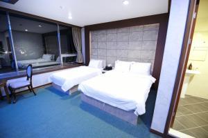 Tongyeong Tourist Hotel, Szállodák  Thongjong - big - 48