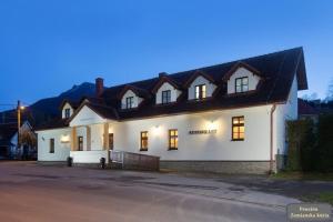 3 star pensiune Penzión Zemianska kúria Dolný Kubín Slovacia